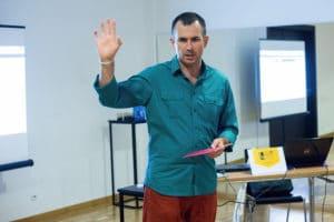 Marcin Skrabka trener podczas szkolenia w Opolu