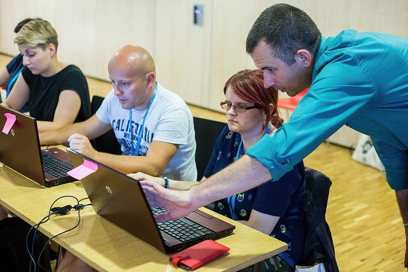 Marcin Skrabka szkoli bibliotekarzy z platformy ActionTrack