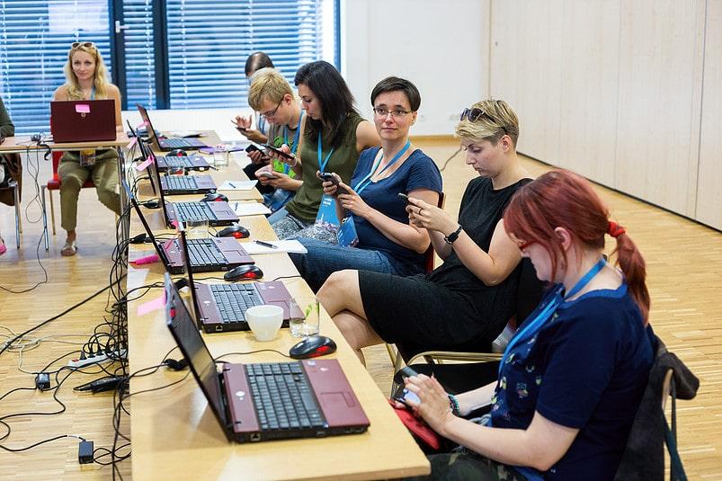 Bibliotekarze testują grę w Opolu