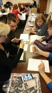 Zapisywanie strategii na kartach podczas spotkania