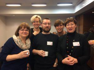 Grupa bibliotekarzy uczestniczących w szkoleniu