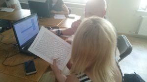 Uczestnicy czytają mity i zamieniają je na grę