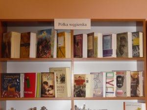 Półka węgierska w bibliotece
