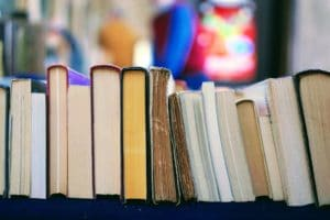 Półka z nową literaturą niemiecką