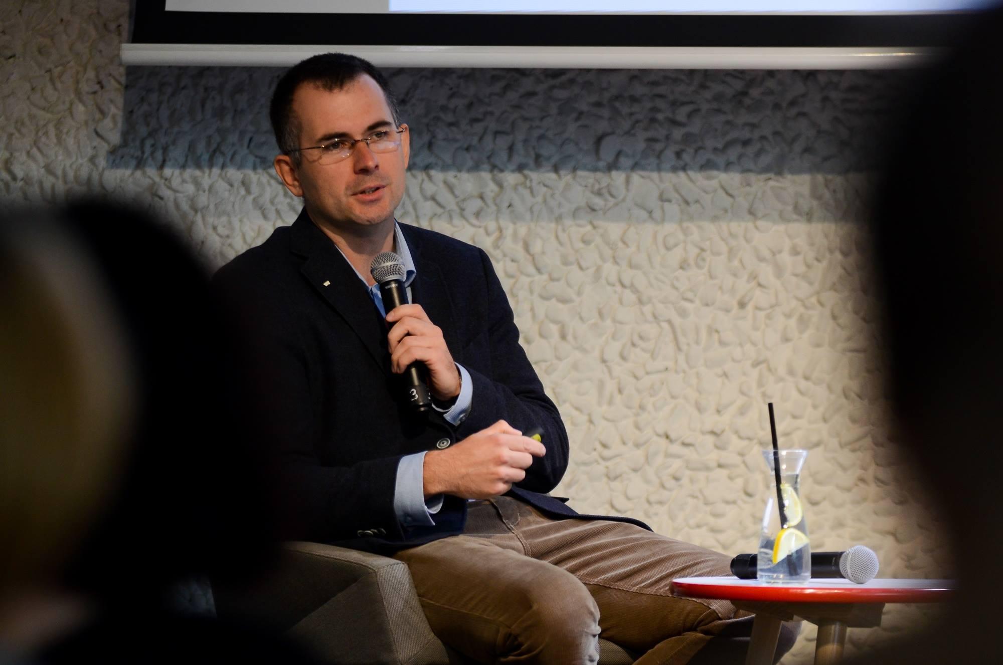 Marcin Skrabka podczas spotkania Akademia Dobrego Księgarza