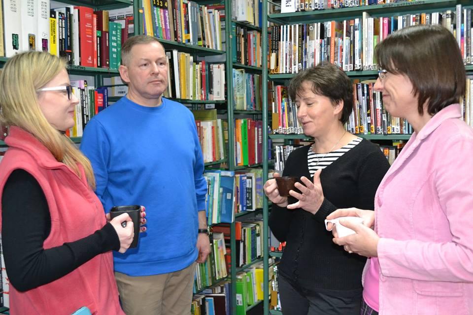 Praca grupowa podczas szkolenia Biblioteka i ochrona dziedzictwa