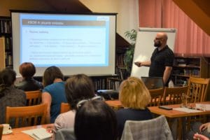 Marcin Kotyła na szkoleniu z finansowania bibliotek