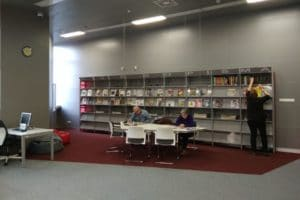 Wypożyczalnia czasopism biblioteki w Chełmie