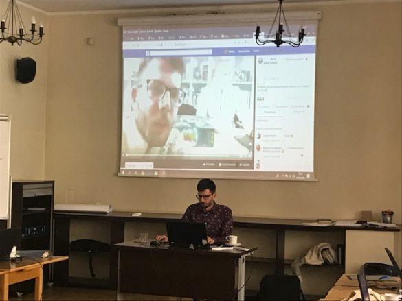 Prezentacja Prowadzenie relacji na żywo na Facebooku