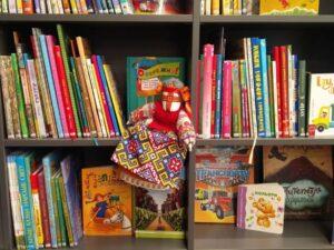 Ukraińska zabawka w bibliotece