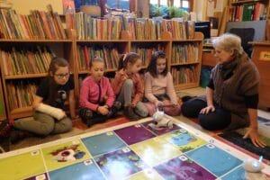Zabawy dla dzieci w bibliotece w Lwówku Śląskm