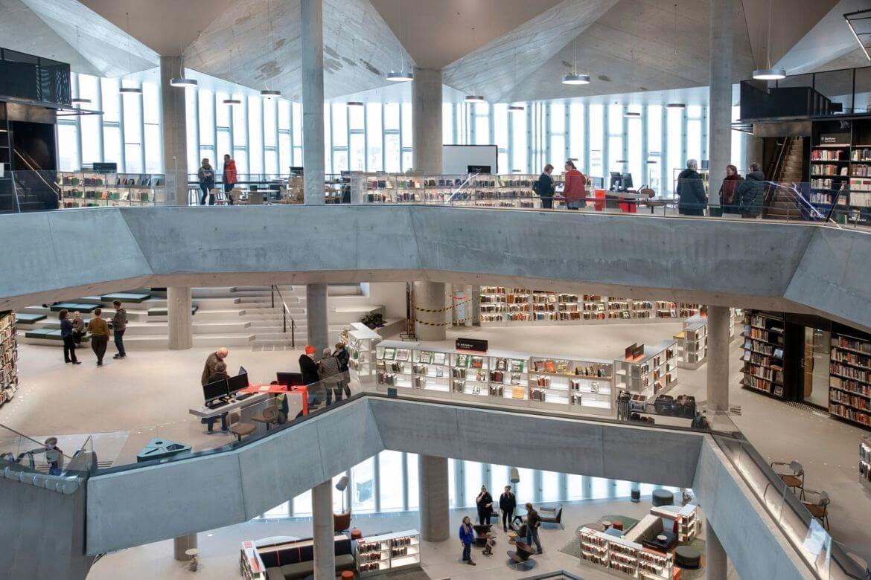 Biblioteka przyszłości Deichman Bjovirka wnętrze