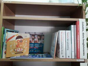 Półka bezglutenowa w bibliotece