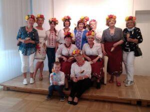 Uczestnicy spotkania Dzień Ukraiński - Ukraińcy w bibliotece w Wałbrzychu