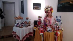 Tradycyjny strój ukraiński podczas spotkania Ukraińcy w bibliotece