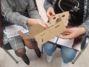 papierowe okulary VR